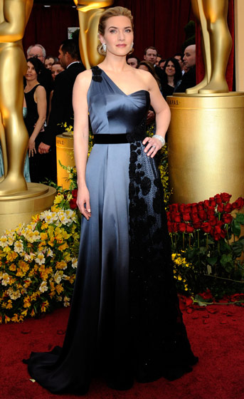 kate-winslet-in-yves-sain-laurent-gown-and-shoes