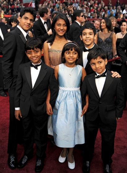 slumdog-millionaire-child-actors-back-row-ashotash-lobo-gajiwala-tanvi-ganesh-and-tanay-hermant-chheda-front-row-mohammed-azharuddin-ismail-rubina-ali-qweshi-ayush-mahesh-khede